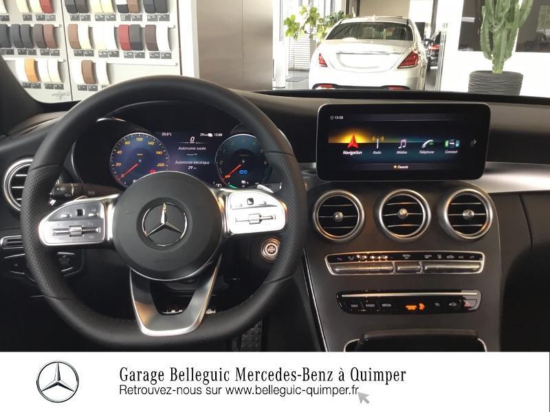 Photo 6 de l'offre de MERCEDES-BENZ Classe C 300 de 194+122ch AMG Line 9G-Tronic à 48900€ chez Garage Belleguic - Mercedes-Benz Quimper