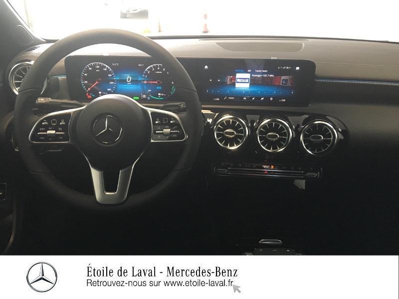 Photo 6 de l'offre de MERCEDES-BENZ CLA 250 e 160+102ch Business Line 8G-DCT à 46990€ chez Etoile de Laval – Mercedes-Benz Laval