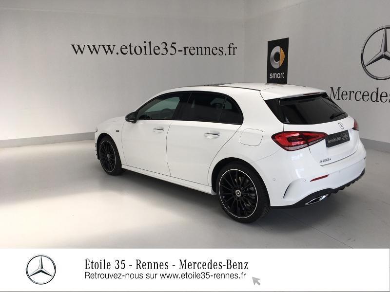 Photo 14 de l'offre de MERCEDES-BENZ Classe A 250 e 160+102ch AMG Line 8G-DCT 8cv à 45900€ chez Etoile 35 - Mercedes-Benz Rennes
