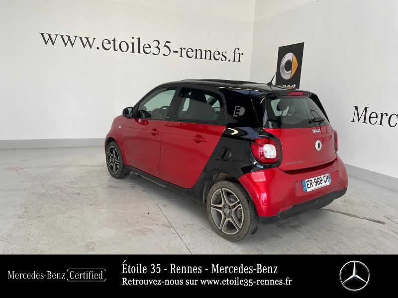 Photo 3 de l'offre de SMART Forfour Electrique 82ch prime à 13490€ chez Etoile 35 - Mercedes-Benz Rennes