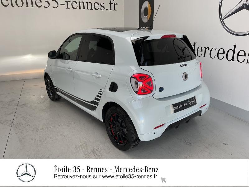 Photo 3 de l'offre de SMART Forfour Electrique 82ch prime à 26234€ chez Etoile 35 - Mercedes-Benz Rennes