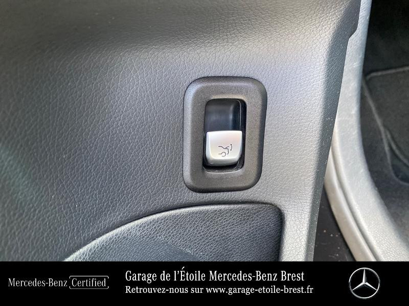 Photo 21 de l'offre de MERCEDES-BENZ Classe C Break 180 d Sportline 7G-Tronic Plus à 27400€ chez Garage de l'Étoile - Mercedes-Benz Brest