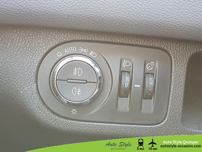Photo 12 de l'offre de OPEL Meriva 1.7 CDTI110 FAP Cosmo BA à 8490€ chez Auto Concept - Opel Quimper