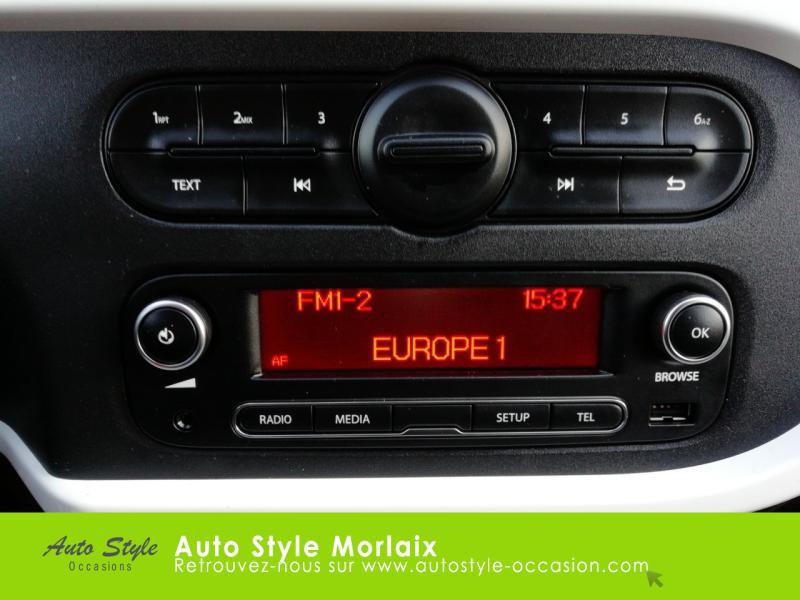 Photo 14 de l'offre de RENAULT Twingo 0.9 TCe 90ch energy Intens Euro6c à 9490€ chez Garage de la Gare - Opel Morlaix