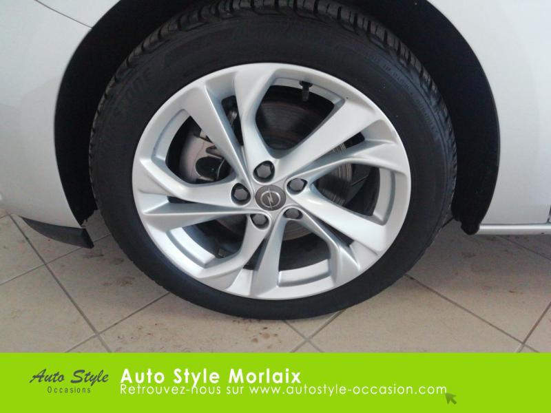 Photo 11 de l'offre de OPEL Astra 1.6 CDTI 136ch Start&Stop Dynamic à 14990€ chez Garage de la Gare - Opel Morlaix