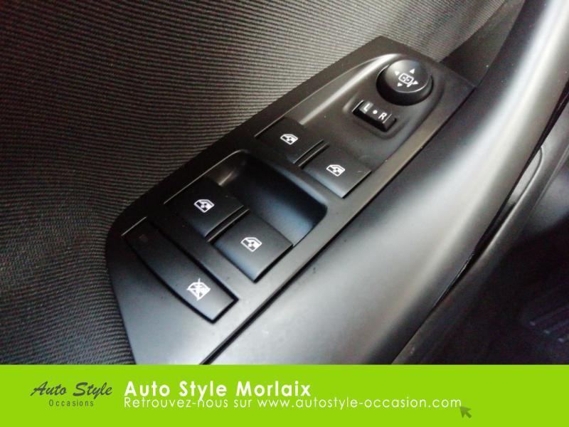 Photo 18 de l'offre de OPEL Astra 1.6 CDTI 136ch Start&Stop Dynamic à 14990€ chez Garage de la Gare - Opel Morlaix