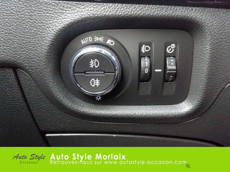 Photo 17 de l'offre de OPEL Astra 1.6 CDTI 136ch Start&Stop Dynamic à 14990€ chez Garage de la Gare - Opel Morlaix