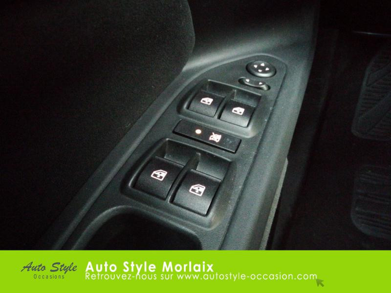 Photo 16 de l'offre de FIAT Tipo 1.4 95ch Easy MY19 5p à 11390€ chez Garage de la Gare - Opel Morlaix