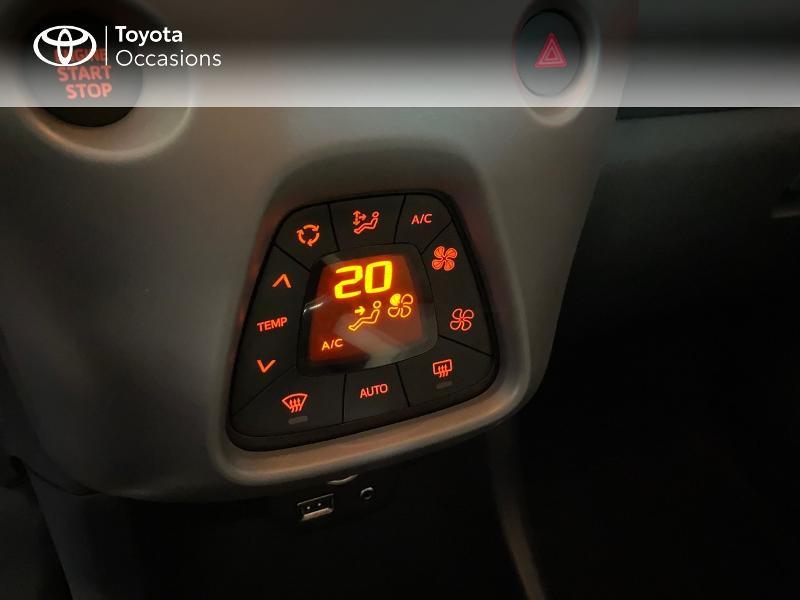 Photo 13 de l'offre de TOYOTA Aygo 1.0 VVT-i 72ch x-play x-app 5p à 10990€ chez Altis - Toyota Lorient