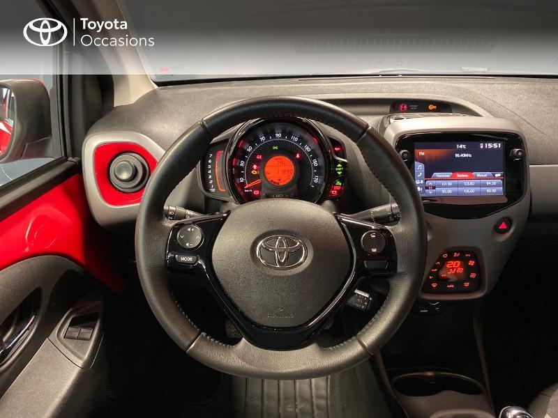 Photo 12 de l'offre de TOYOTA Aygo 1.0 VVT-i 72ch x-play x-app 5p à 10990€ chez Altis - Toyota Lorient