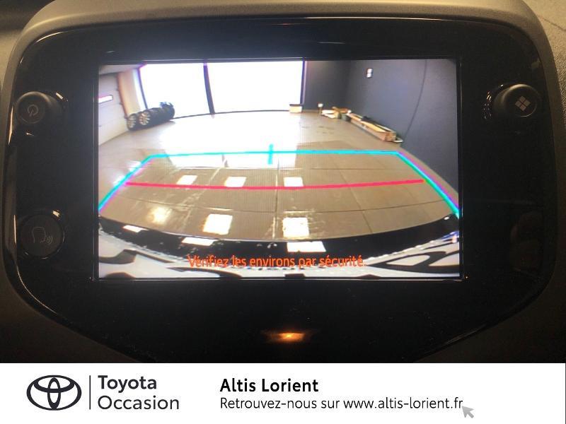 Photo 9 de l'offre de TOYOTA Aygo 1.0 VVT-i 72ch x-play 5p MY20 à 12140€ chez Altis - Toyota Lorient