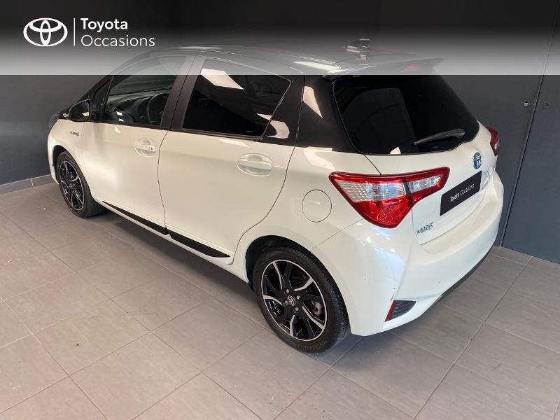 Photo 2 de l'offre de TOYOTA Yaris 100h Collection 5p RC18 à 15490€ chez Altis - Toyota Lorient