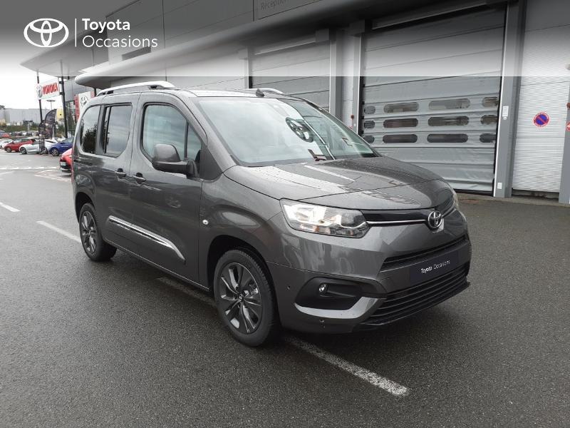 Photo 19 de l'offre de TOYOTA PROACE CITY Verso Medium 1.2 130 VVT-i Design BVA RC21 à 30290€ chez Altis - Toyota Lorient