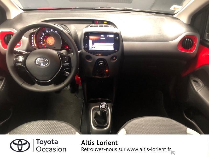 Photo 5 de l'offre de TOYOTA Aygo 1.0 VVT-i 72ch x-play 5p MY20 à 12140€ chez Altis - Toyota Lorient