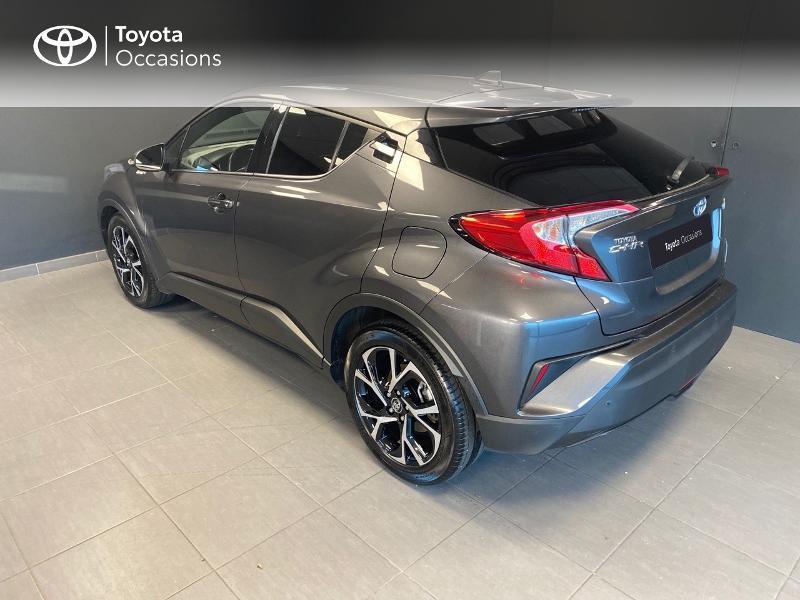 Photo 2 de l'offre de TOYOTA C-HR 122h Edition 2WD E-CVT RC18 à 21980€ chez Altis - Toyota Lorient