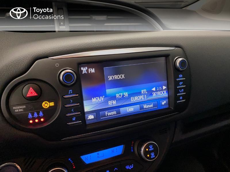 Photo 11 de l'offre de TOYOTA Yaris 100h Dynamic 5p à 13990€ chez Altis - Toyota Lorient