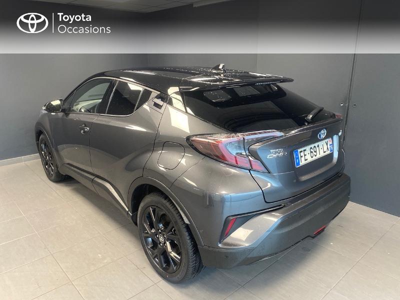 Photo 3 de l'offre de TOYOTA C-HR 122h Graphic 2WD E-CVT RC18 à 22990€ chez Altis - Toyota Lorient