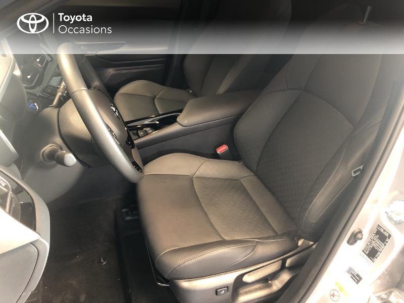 Photo 13 de l'offre de TOYOTA C-HR 122h Graphic 2WD E-CVT RC18 à 22990€ chez Altis - Toyota Lorient