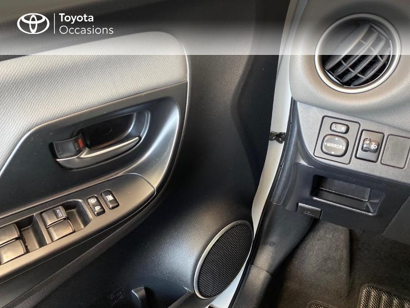 Photo 15 de l'offre de TOYOTA Yaris HSD 100h Dynamic 5p à 12970€ chez Altis - Toyota Lorient