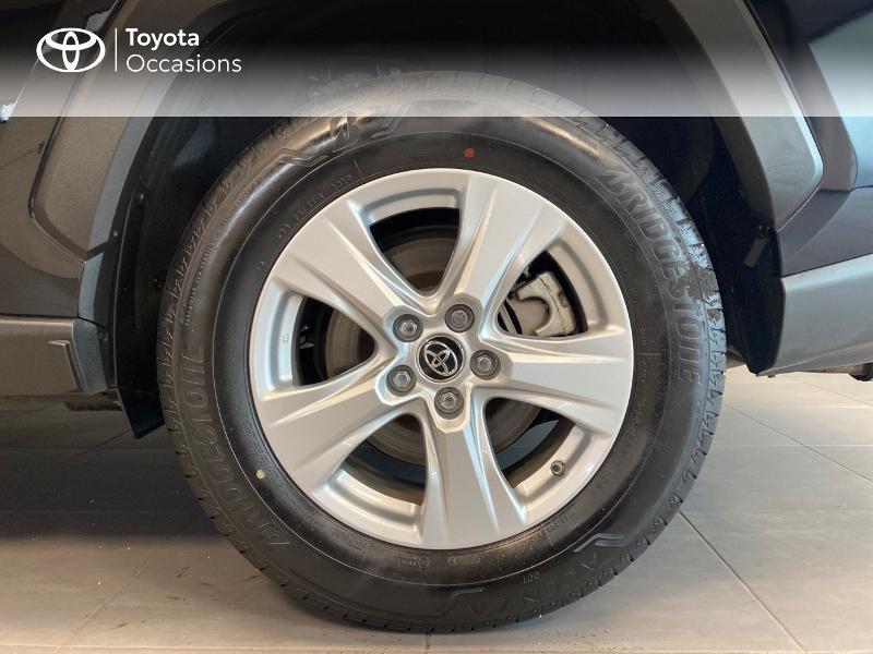 Photo 6 de l'offre de TOYOTA RAV4 Hybride 218ch Dynamic 2WD MY20 à 29990€ chez Altis - Toyota Lorient
