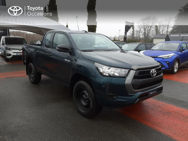 Photo 19 de l'offre de TOYOTA Hilux 2.4 D-4D X-Tra Cabine LeCap 4WD MC20 à 30222€ chez Altis - Toyota Lorient