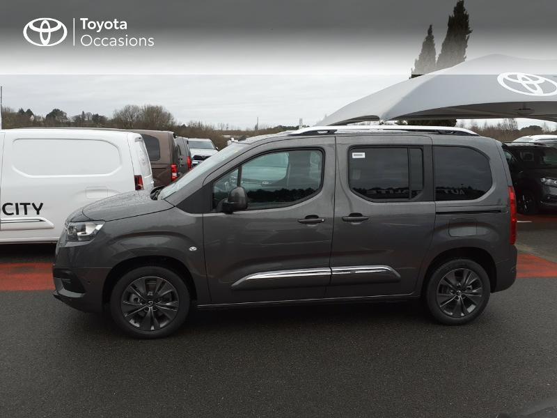 Photo 3 de l'offre de TOYOTA PROACE CITY Verso Medium 1.2 130 VVT-i Design BVA RC21 à 30290€ chez Altis - Toyota Lorient
