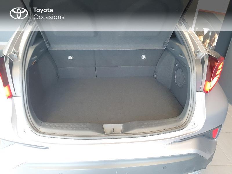 Photo 10 de l'offre de TOYOTA C-HR 184h Graphic 2WD E-CVT MC19 à 27980€ chez Altis - Toyota Lorient