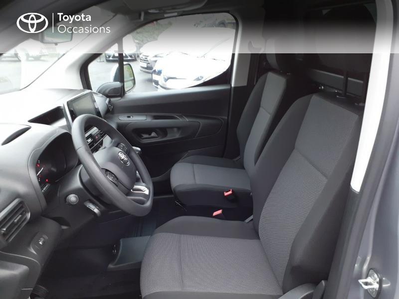 Photo 11 de l'offre de TOYOTA PROACE CITY Long 130 D-4D Business RC21 à 24590€ chez Altis - Toyota Lorient