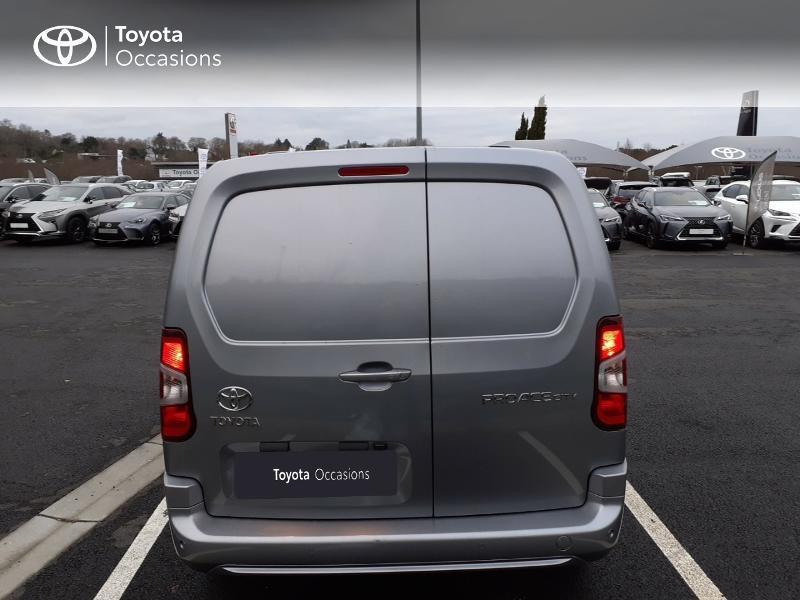 Photo 4 de l'offre de TOYOTA PROACE CITY Long 130 D-4D Business RC21 à 24590€ chez Altis - Toyota Lorient
