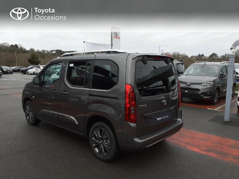 Photo 2 de l'offre de TOYOTA PROACE CITY Verso Medium 1.2 130 VVT-i Design BVA RC21 à 30290€ chez Altis - Toyota Lorient