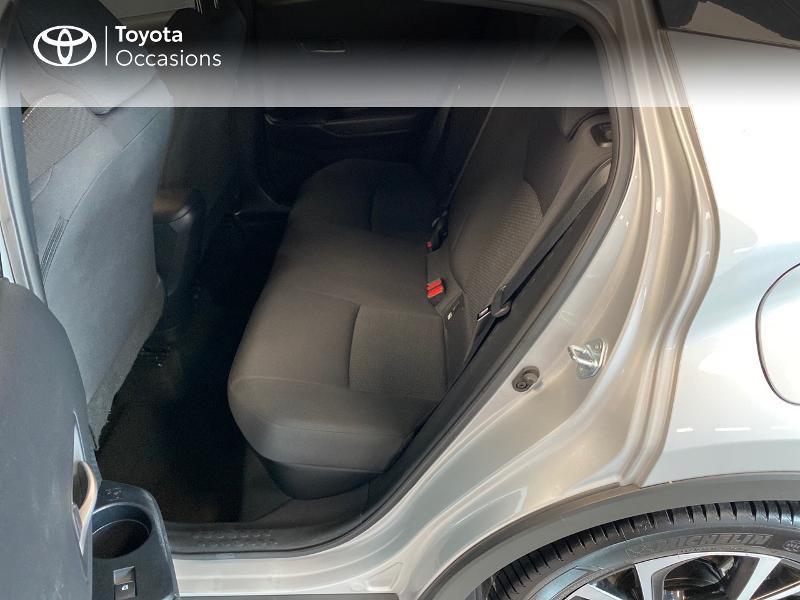 Photo 14 de l'offre de TOYOTA C-HR 122h Edition 2WD E-CVT RC18 à 20990€ chez Altis - Toyota Lorient