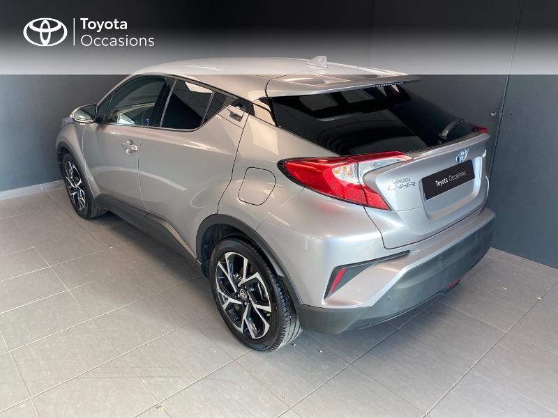 Photo 2 de l'offre de TOYOTA C-HR 122h Edition 2WD E-CVT RC18 à 20490€ chez Altis - Toyota Lorient