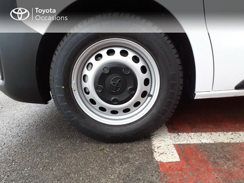 Photo 16 de l'offre de TOYOTA PROACE Compact 1.5 D-4D 100 Dynamic MY20 à 22490€ chez Altis - Toyota Lorient