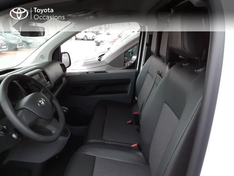 Photo 11 de l'offre de TOYOTA PROACE Compact 1.5 D-4D 100 Dynamic MY20 à 22490€ chez Altis - Toyota Lorient