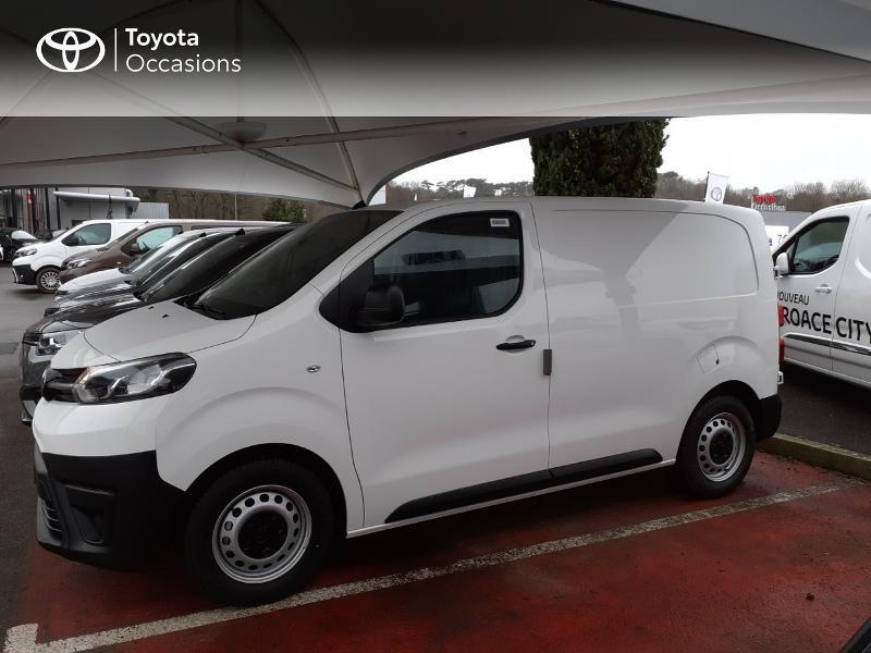 Photo 3 de l'offre de TOYOTA PROACE Compact 1.5 D-4D 100 Dynamic MY20 à 22490€ chez Altis - Toyota Lorient