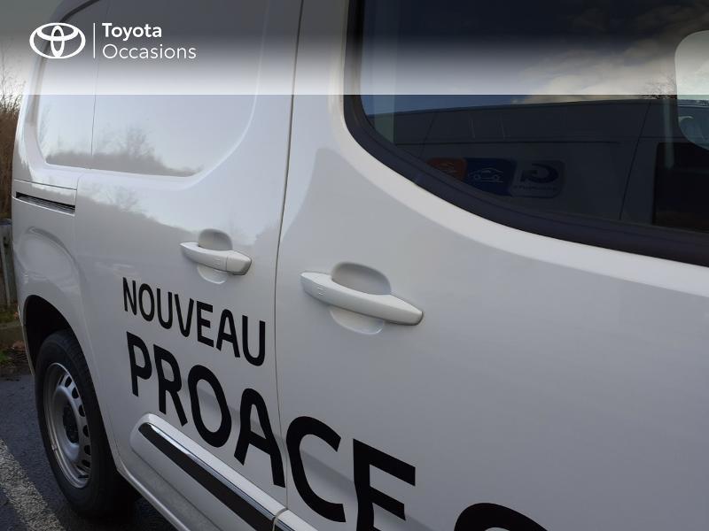 Photo 24 de l'offre de TOYOTA ProAce City Medium 100 D-4D Business à 17990€ chez Altis - Toyota Lorient