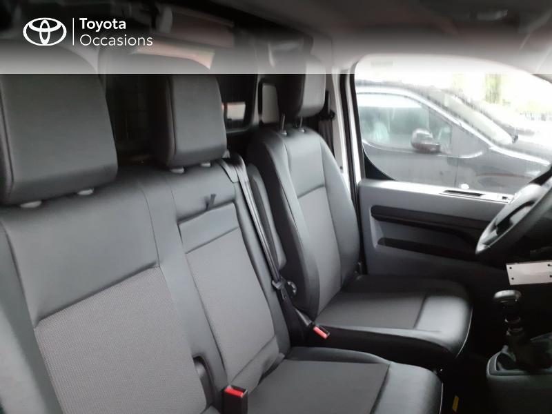 Photo 6 de l'offre de TOYOTA PROACE Compact 1.5 D-4D 100 Dynamic MY20 à 22490€ chez Altis - Toyota Lorient