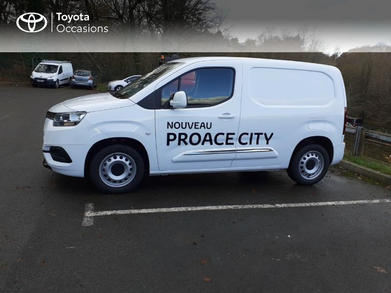 Photo 3 de l'offre de TOYOTA ProAce City Medium 100 D-4D Business à 17990€ chez Altis - Toyota Lorient
