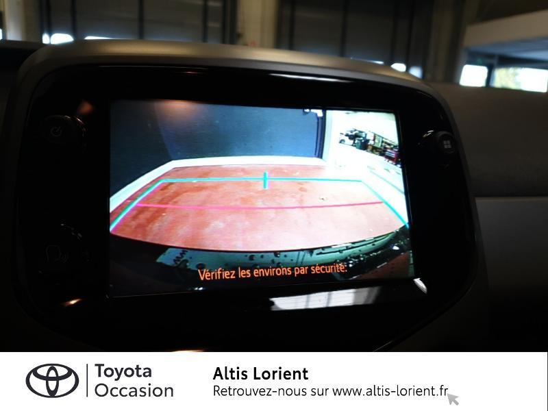 Photo 9 de l'offre de TOYOTA Aygo 1.0 VVT-i 72ch x-play 5p MY20 à 11890€ chez Altis - Toyota Lorient