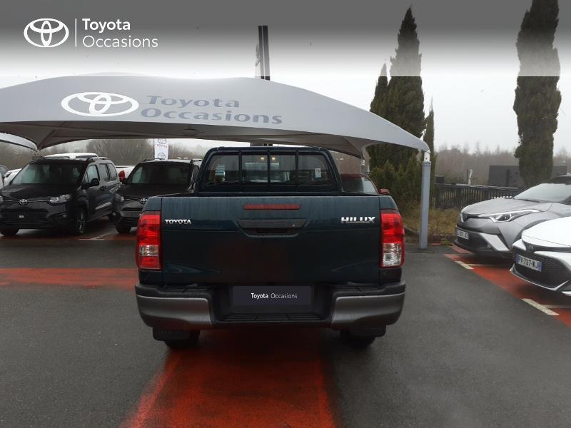 Photo 4 de l'offre de TOYOTA Hilux 2.4 D-4D X-Tra Cabine LeCap 4WD MC20 à 30222€ chez Altis - Toyota Lorient