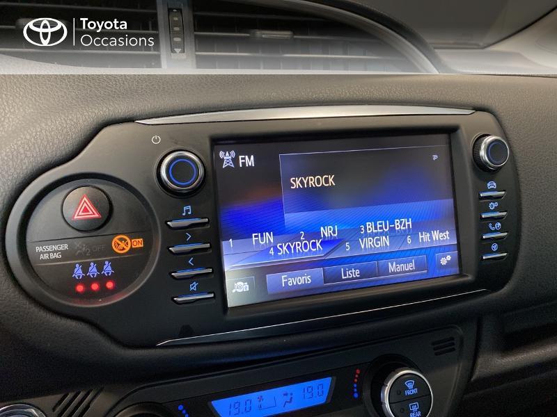 Photo 9 de l'offre de TOYOTA Yaris 100h Dynamic 5p RC18 à 13990€ chez Altis - Toyota Lorient