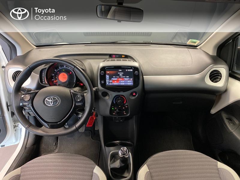 Photo 12 de l'offre de TOYOTA Aygo 1.0 VVT-i 72ch x-play 3p à 9990€ chez Altis - Toyota Lorient