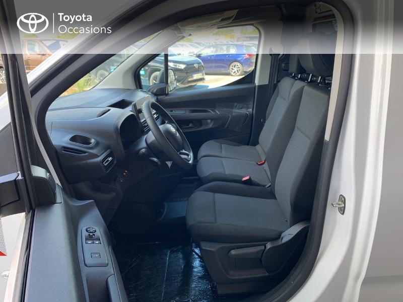 Photo 11 de l'offre de TOYOTA PROACE CITY Medium 75 D-4D Dynamic RC21 à 19990€ chez Altis - Toyota Lorient