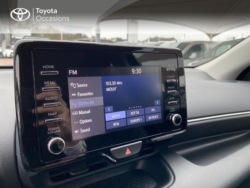 Photo 15 de l'offre de TOYOTA Yaris 116h Design 5p à 23000€ chez Altis - Toyota Lorient