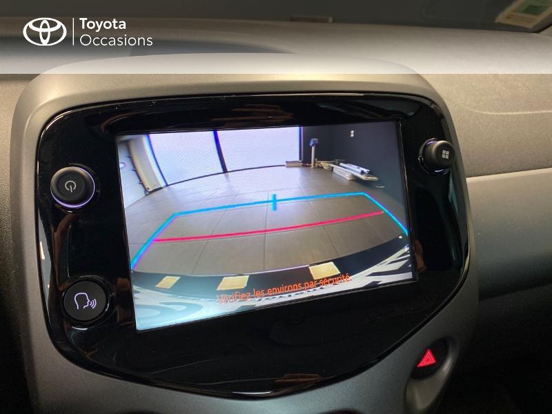 Photo 13 de l'offre de TOYOTA Aygo 1.0 VVT-i 72ch x-play 3p à 9990€ chez Altis - Toyota Lorient