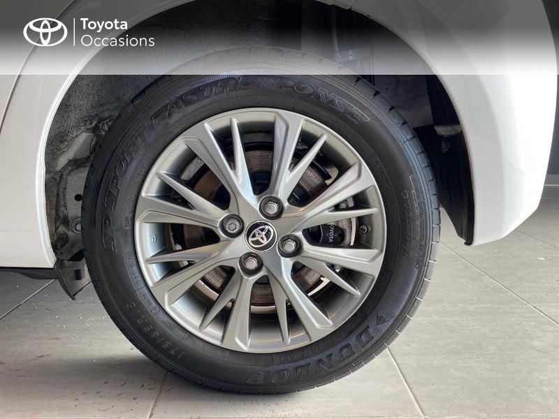 Photo 16 de l'offre de TOYOTA Yaris 100h Dynamic 5p RC18 à 13990€ chez Altis - Toyota Lorient