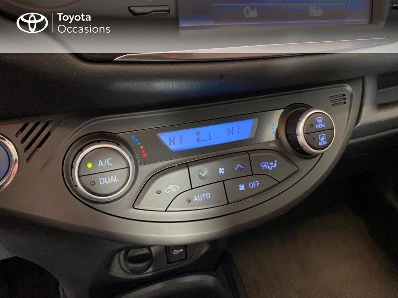Photo 14 de l'offre de TOYOTA Yaris 100h Dynamic 5p RC18 à 13990€ chez Altis - Toyota Lorient
