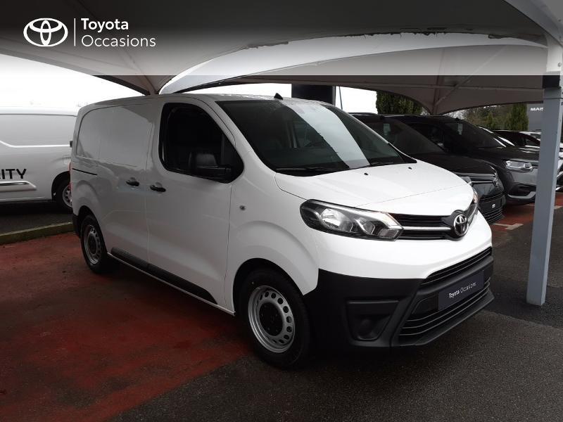 Photo 19 de l'offre de TOYOTA PROACE Compact 1.5 D-4D 100 Dynamic MY20 à 22490€ chez Altis - Toyota Lorient
