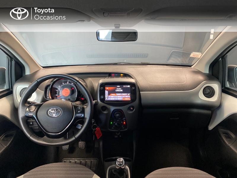 Photo 12 de l'offre de TOYOTA Aygo 1.0 VVT-i 72ch x-play 5p à 9490€ chez Altis - Toyota Lorient