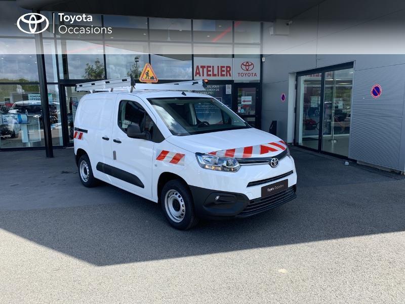 Photo 19 de l'offre de TOYOTA PROACE CITY Medium 75 D-4D Dynamic RC21 à 19990€ chez Altis - Toyota Lorient
